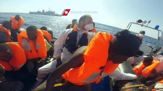 Migranti: altri morti al largo Libia, 5 vittime; 650 in salvo