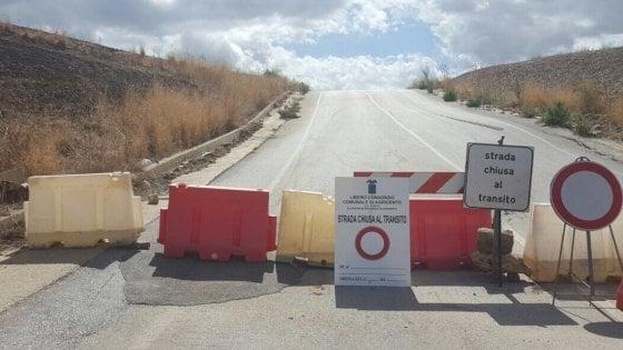Agrigento, strada provinciale chiusa per il crollo di un ponte: isolata un'intera contrada