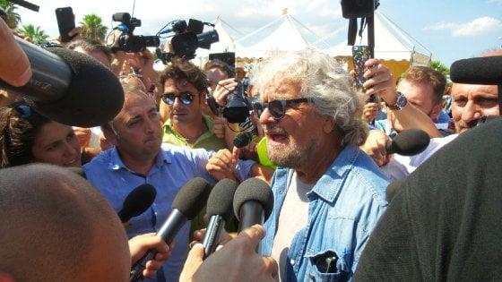 Grillo a Palermo, bagno di folla al Foro Italico per Italia 5 stelle