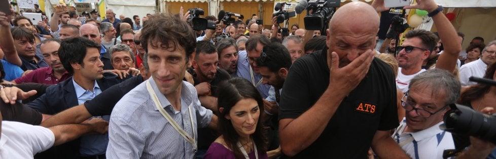 """Italia 5 stelle, Raggi acclamata al Foro Italico    Diretta video    -    Foto    Di Maio """"Vinceremo alla Regione""""    Video 1   -   2   -   3   -   4   - 5 - 6"""