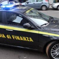Scoperta fabbrica di articoli contraffatti, maxi sequestro a Palermo