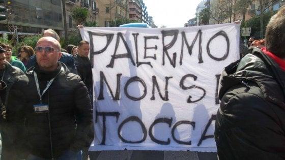 Trasferimenti Almaviva: scambio di accuse fra azienda e sindacati, sciopero a Palermo
