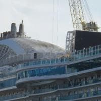 Cade gru di 60 tonnellate ai cantieri navali di Palermo, nessun operaio