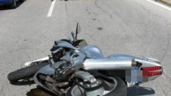 Catania: con lo scooter sotto un pullman, muore motociclista