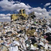 Bluff differenziata sprechi da 20 milioni. Pochi impianti organico in discarica