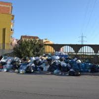 Porto Empedocle sommersa dai rifiuti