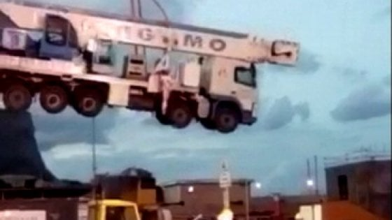 Incidente al Cantiere Navale di Palermo, spunta un video della gru precipitata al suolo