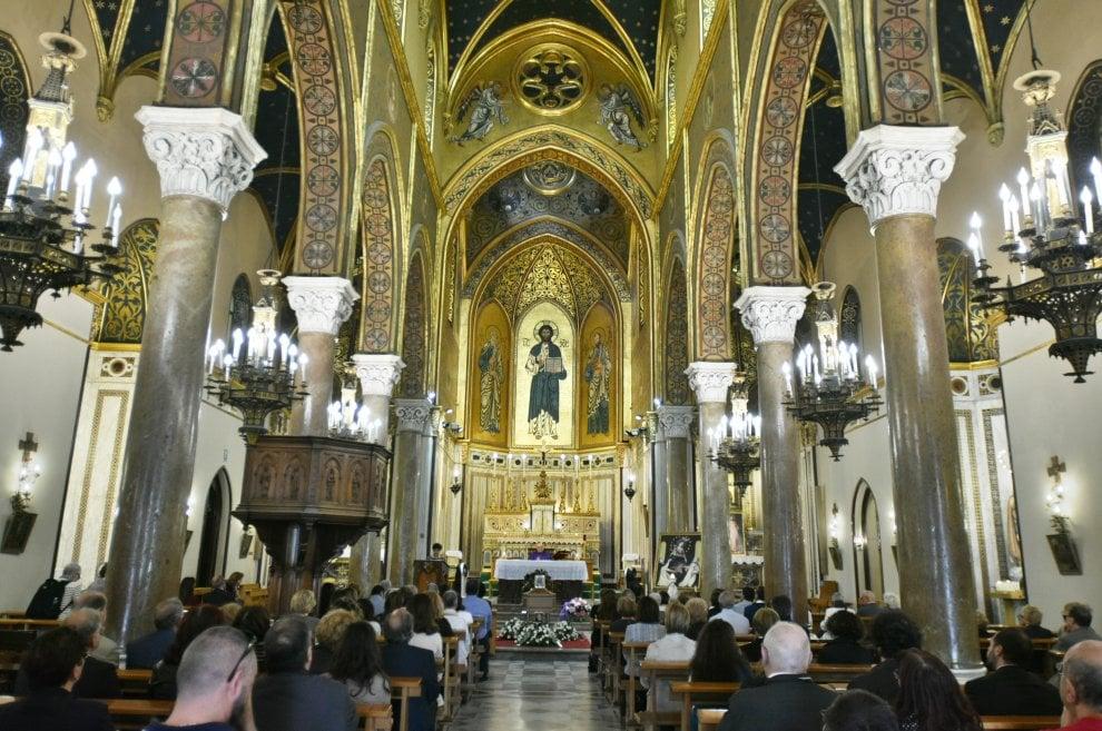 Palermo, chiesa gremita per il funerale della gallerista ...
