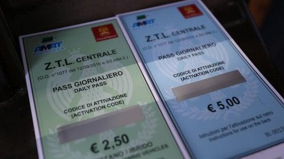 Pass Ztl e car sharing: volano gli incassi, l'Amat risana i conti. Caccia al ticket giornaliero