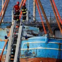 Migranti: sarà esposto a Bruxelles il barcone del naufragio del 2015