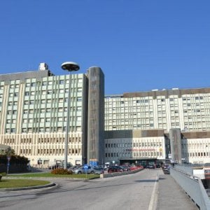 Morta in ospedale con i due gemellini, a Catania gli ispettori del ministero