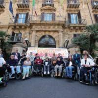 """Regione, sit-in dei disabili gravissimi: """"Noi beffati dalla politica"""""""