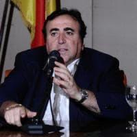 La procura chiede l'obbligo di dimora per il deputato Dina