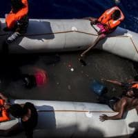 Nuovo dramma nel Canale di Sicilia, 25 morti in un gommone. Unhcr:
