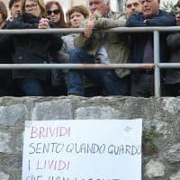 Palermo, a Pioppo un'intera cittadina ai funerali dei tre giovani morti in un incidente
