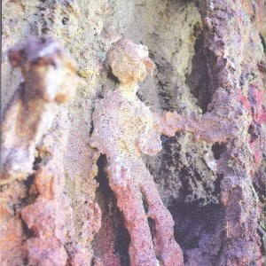 Un'opera di Taravella nelle grotte di Alia