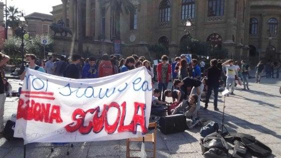 Domani studenti in piazza contro il governo