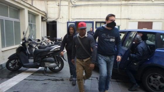 Palermo, decapitata la mafia nigeriana: 23 arresti in tutta Italia. Uno dei capi stava a Ballarò