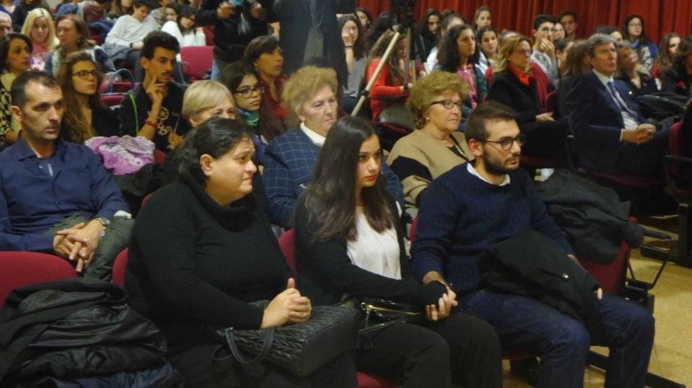 Palermo al liceo umberto il ricordo di carmela petrucci for Liceo umberto palermo