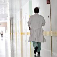 Palermo: problemi dopo intervento di cambio sesso, due chirurghi indagati