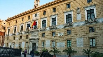 """Comune di Palermo, pubblicati i redditi ecco i """"paperoni"""" di Sala delle Lapidi"""