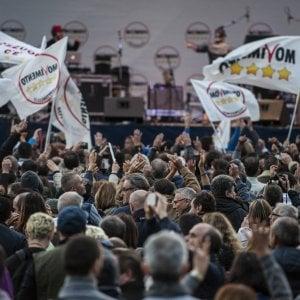 """Palermo, candidati grillini sulla """"graticola"""": la diretta dai Cantieri alla Zisa"""
