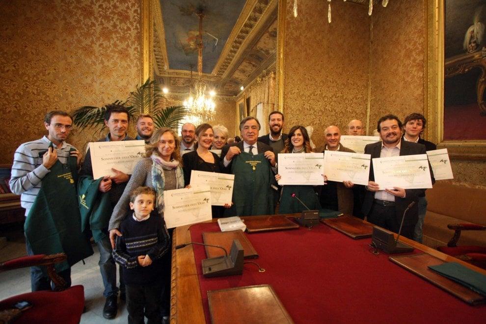 Palermo, consegnati i diplomi ai primi sommelier dell'olio