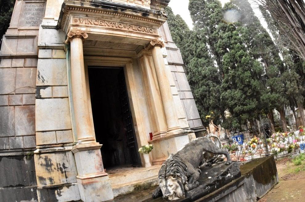 Palermo, la nipote dei Florio sulla tomba di famiglia: degrado e abbandono