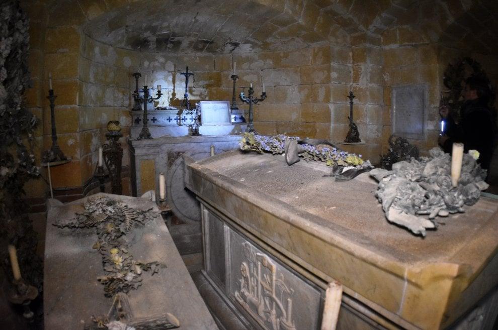 Palermo, la nipote dei Florio sulla tomba di famiglia