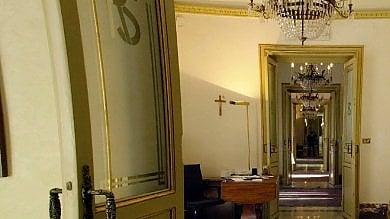 """Valzer di poltrone a Palazzo d'Orleans confermati i dirigenti fino al 2019 M5s: """"Atti inutili, tolga la Monterosso"""""""