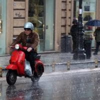 Maltempo, allerta rossa in Sicilia per altre 24 ore. Bomba d'acqua a Sciacca, il sindaco invita a non muoversi di casa