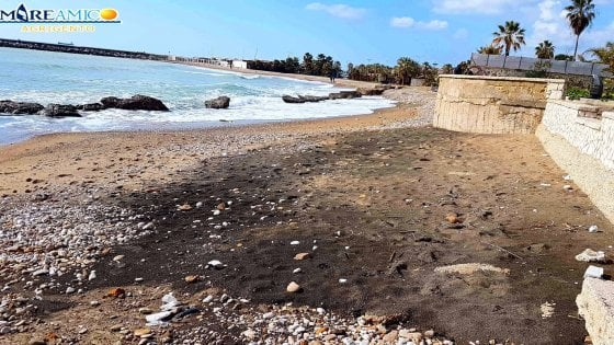 """Agrigento: liquami a mare per un tombino otturato, il Comune: """"Ingenti danni"""""""