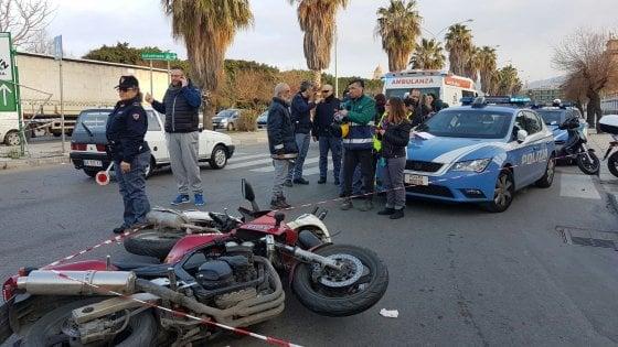 Palermo: scontro fra moto al Foro Italico, due feriti e traffico in tilt
