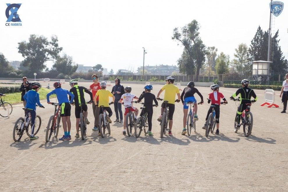 Palermo: all'ippodromo a cavallo delle bici