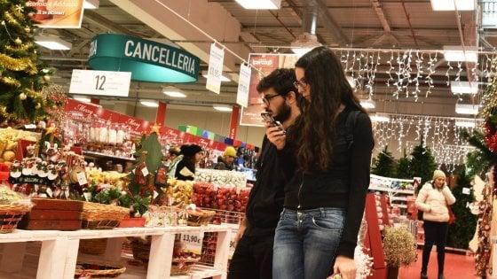 Palermo chiudono i negozi al forum i sindacati 150 for Negozi di arredamento palermo