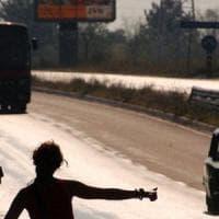 Palermo, finti autostoppisti minacciano e rapinano automobilista