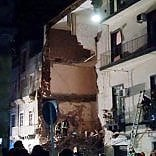 Catania, crolla palazzina di 3 piani: c'è una vittima, grave una bimba