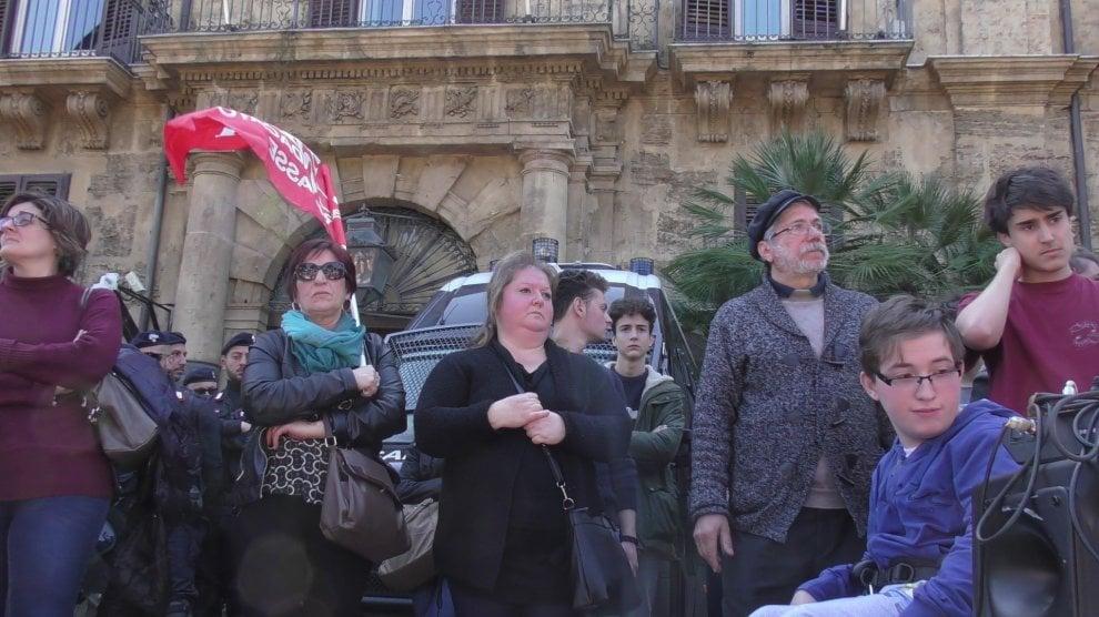 Palermo: il corteo di studenti e insegnanti