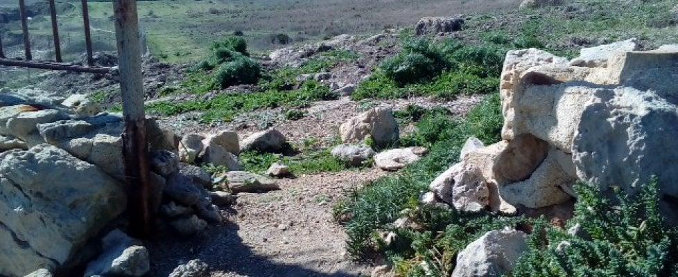 Siracusa: tombaroli saccheggiano il sito archeologico, a Eloro con le ruspe per rubare reperti