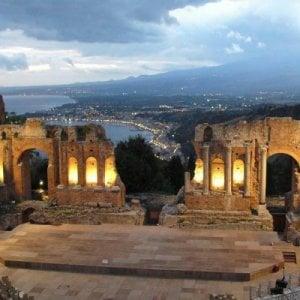 """Taormina in lite con la Regione: """"Usciamo dal Parco archeologico di Naxos"""""""
