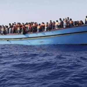 Immigrazione, soccorsi in un giorno oltre 3.300 profughi al largo delle coste libiche
