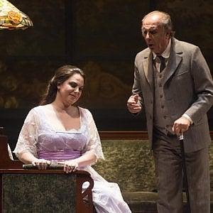 """Palermo, applausi al Massimo per """"Traviata"""" con Nucci e i profumi di Ungaro"""