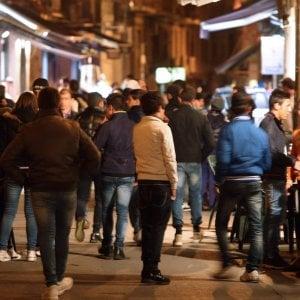 Caos movida, il Comune studia una nuova ordinanza: stop alla musica all'una di notte