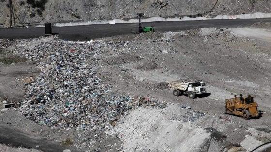 """Arresto funzionari del settore rifiuti, la Regione:  """"Adesso verifiche su tutte le autorizzazioni ambientali"""""""