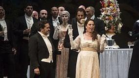 """Una """"Traviata"""" elegante  raccoglie applausi al Massimo"""