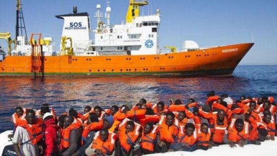 Italský prokurátor obviňuje neziskovky z napomáhání ilegální imigraci do Itálie