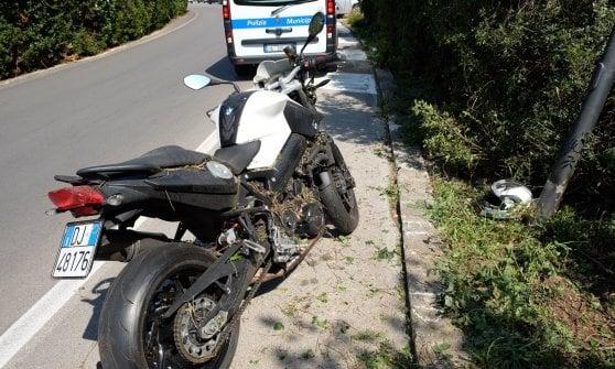 Perde il controllo della moto, poliziotto muore alla Favorita