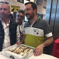 """Salvini a Lampedusa: """"Inutile brindisi all'Europa, serve un'Italia che difenda i confini"""""""