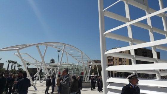 """Catania, Delrio inaugura stazione metro: """"Questa è l'Italia normale"""""""