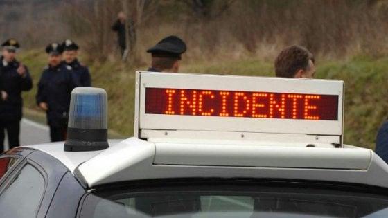 Incidente stradale, muore un ragazzo di 23 anni